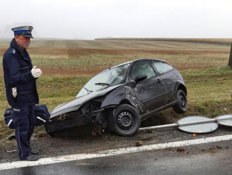 Ślisko w Braszowicach, auta wpadają w poślizgi - Zdjęcie główne