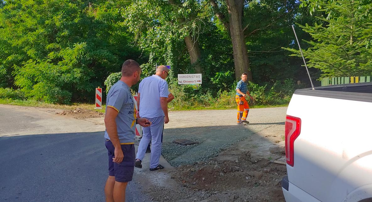 Gmina Bardo. Zaczęły się remonty dróg - Zdjęcie główne