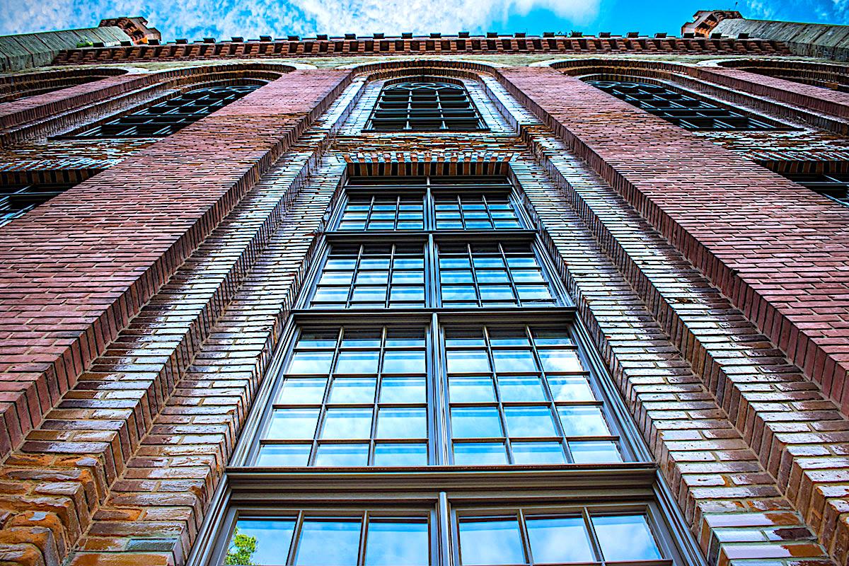 Kamieniec Ząbk. Nowe okna w Pałacu Marianny Orańskiej - Zdjęcie główne