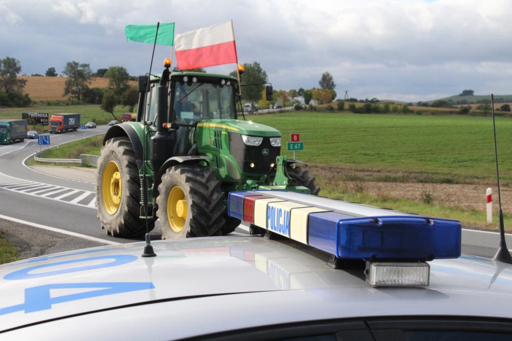 Nie odpuścimy - mówią rolnicy po proteście [FOTO] - Zdjęcie główne