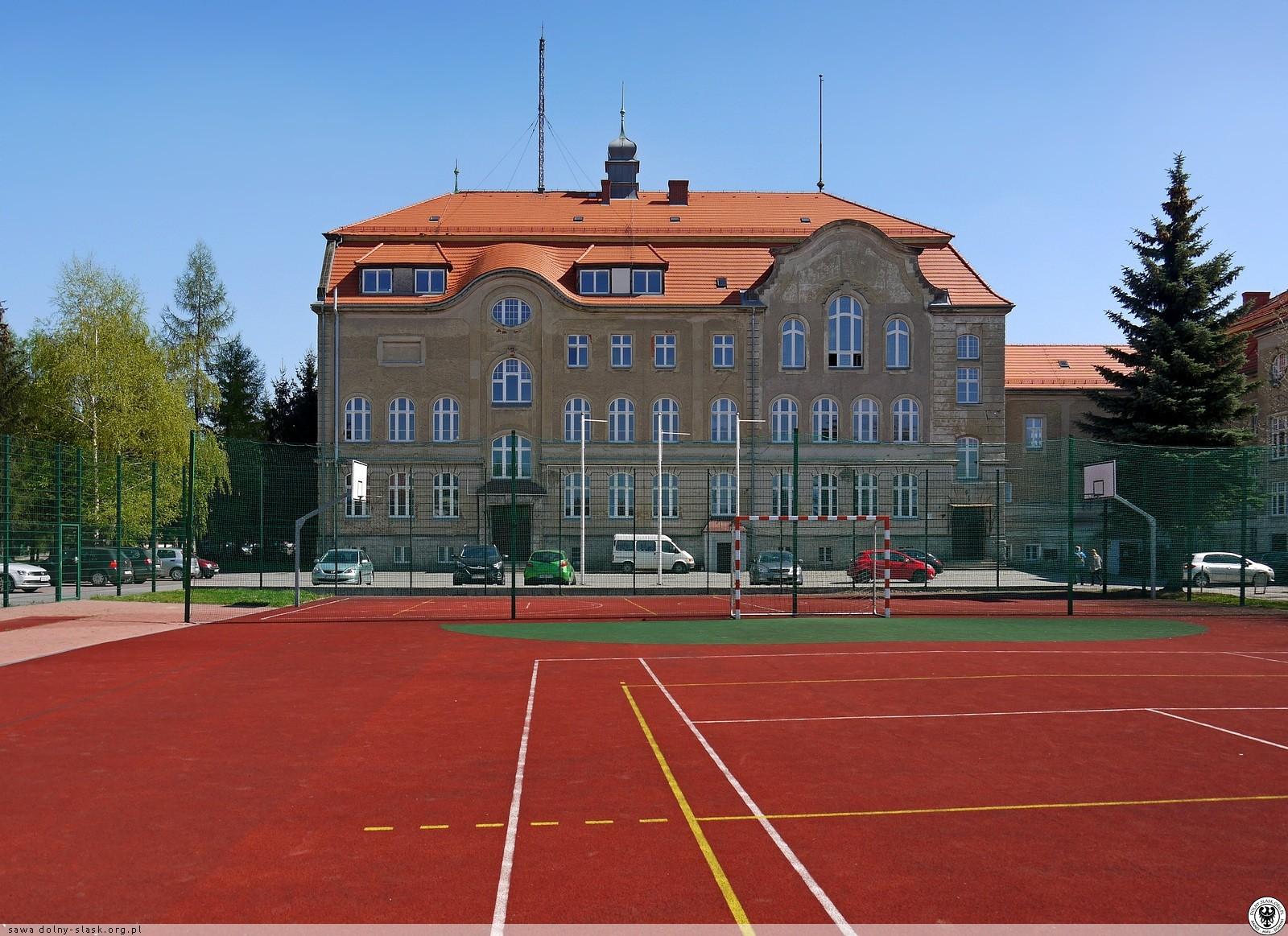 Powiat Ząbkowicki. Ponad 3 miliony trafi do szkół - Zdjęcie główne
