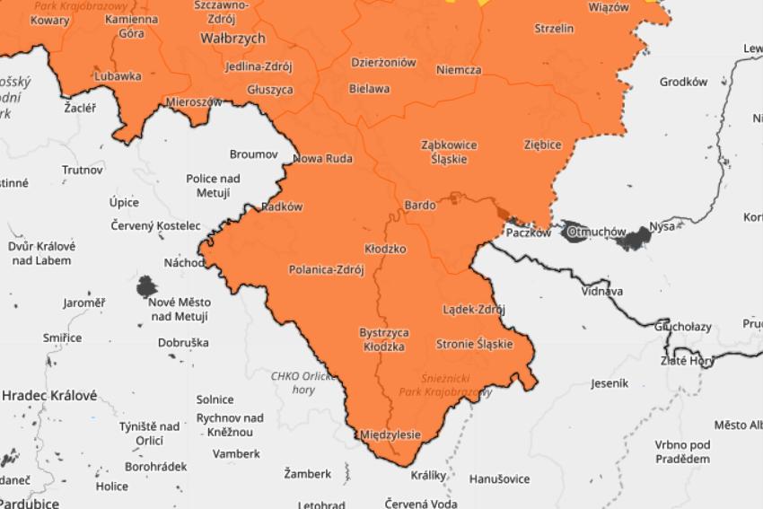 Powiat Ząbkowicki: Uwaga! Intensywne opady deszczu - Zdjęcie główne