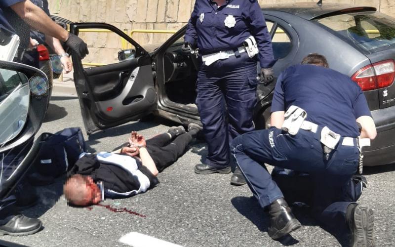 Bardo: Policyjny pościg za pijanym kierowcą. Padły strzały z broni  - Zdjęcie główne