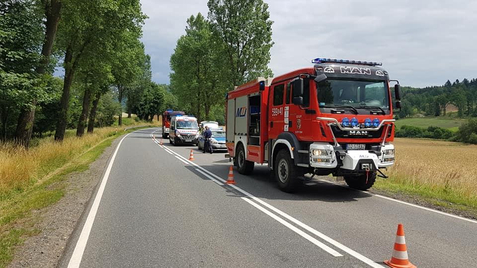 Gmina Złoty Stok: Ciężarówka uderzyła w motocykl - Zdjęcie główne