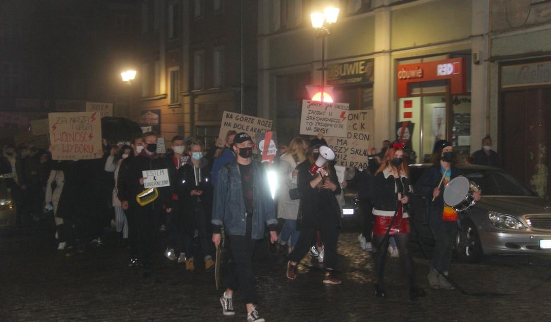 Drugi kobiecy protest w Ząbkowicach [FOTO] - Zdjęcie główne