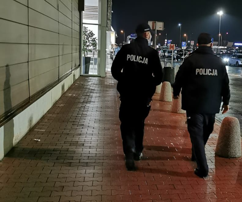 Ząbkowice Śl. Policjanci sprawdzają, czy nosimy maseczki - Zdjęcie główne